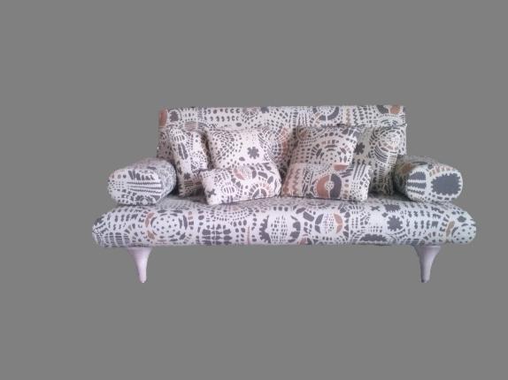 Sofá diseñado por Neutra